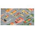 Model auta Fiat Abarth a koberec na hraní - město