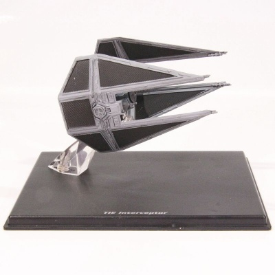 Model Star Wars - TIE Interceptor