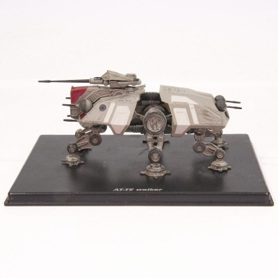 Model Star Wars - AT-TE
