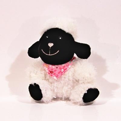 Plyšová ovečka - bílá
