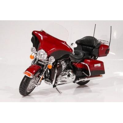 Harley Davidson 2013 FLHTK Electra Glide Ultra Limited 1:12