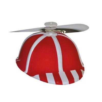 Čepice s vrtulkou - červená