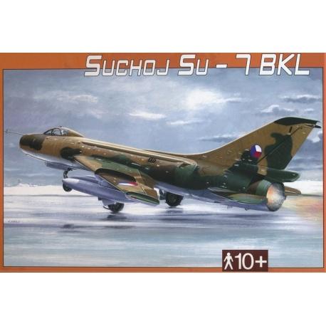 Suchoj SU-7 BKL 1:48 Směr plastikový model letadla ke slepení
